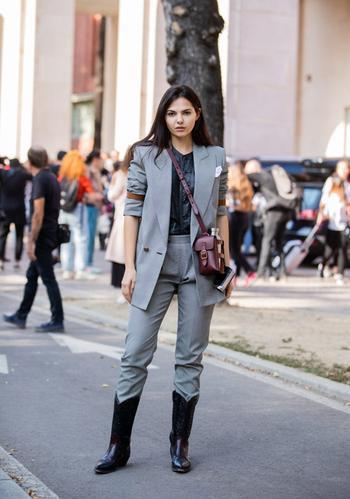 Сапоги-казаки: с чем носить модный тренд в 2020