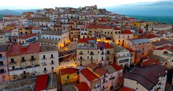 Итальянский городок заплатит 2000 евро желающим туда переехать