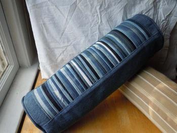 12 способов переделать старые джинсы в полезные мелочи для дома