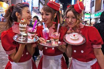 «Платить не нужно, просто уйдите». Почему японцы ненавидят туристов, но продолжают их терпеть