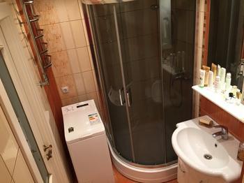 Ванная: позаботились о бабушке и дедушке, которые часто приезжают в гости