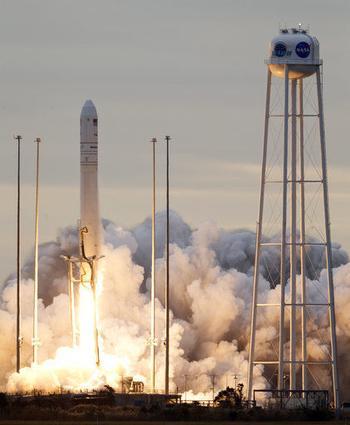 Замороженные лакомства и другие припасы отправились к МКС