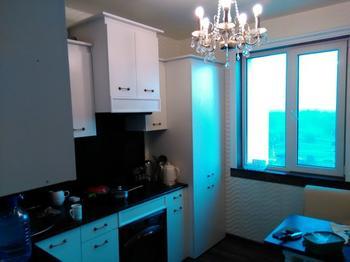 Кухня: за 2 тысячи долларов. Сама сделала откосы, спроектировала мебель, уложила ламинат