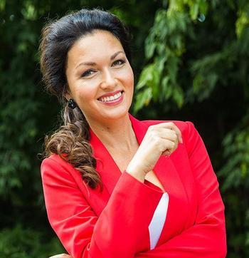 Юлия Такшина рассказала о семье, воспитании детей и поклонниках