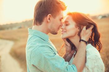 6 причин, почему счастливые пары не афишируют отношения в социальных сетях