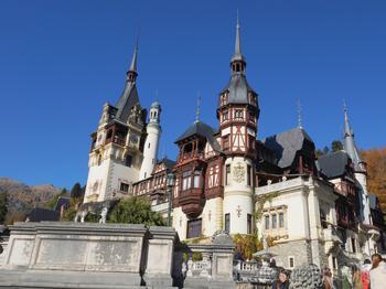 Румыния – страна загадок и легенд чарующих Карпатских гор. Часть 2. Дворец Пелеш – сказочная жемчужина Трансильвании