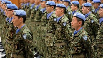 Премьер Японии допустил возможность нанесения превентивных ударов по базам противника