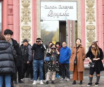 """По системе """"все свои"""" как туристы из Китая стали проблемой"""