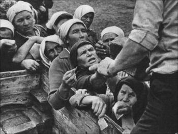 Зачем в советских сёлах покупали по 5 и более буханок хлеба?