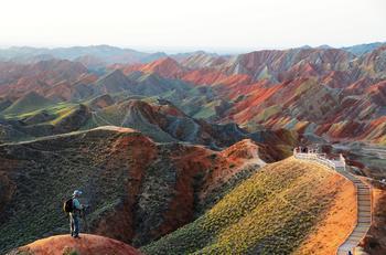 Разноцветные скалы Чжанъе Данься, Китай