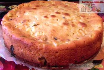 Пирог на сметане с яблоками и изюмом