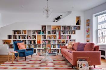 Нестандартное жильё для любителей книг и кошек в Бруклине