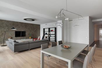 Как оформить квартиру для семьи в стиле лофт: реальный пример в Минске