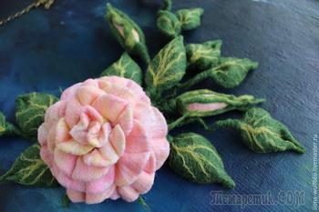 Создаем шикарное колье с розой из войлока