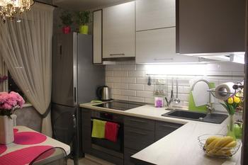 """Моя кухня: сочетание несочетаемого в кухне-гостиной на 9 """"квадратах"""""""
