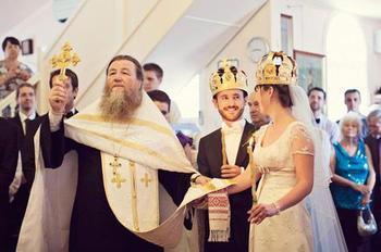 Венчальные свечи: от подготовки к таинству до семейных забот