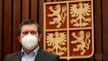 Вакцина за молчание: чешский чиновник уволен за попытку переговоров с Москвой