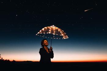 Самые суеверные люди по гороскопу: знаки Зодиака которые верят в приметы
