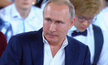 Путин пообещал детям не менять Конституцию для увеличения числа президентских сроков