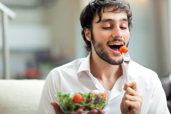 Почему во время белковой диеты нужно употреблять очень много овощей