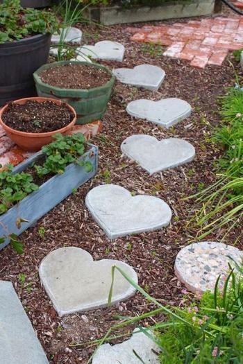 Цемент можно использовать не только в строительстве! 15 идей декора для сада