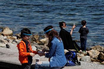 Еще одна страна временно отказалась принимать российских туристов