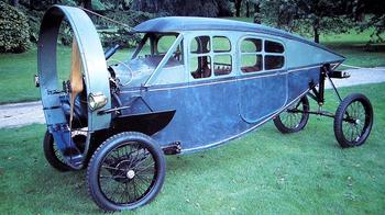 Рожденные никогда не взлететь: зачем строили автомобили с пропеллером