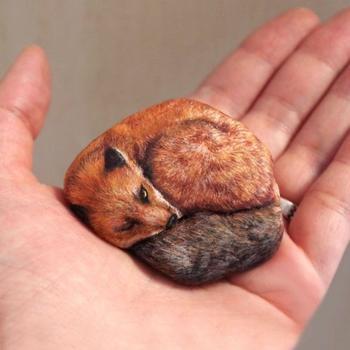 Реалистичные животные из камней