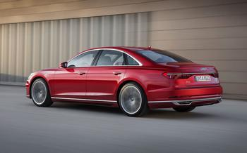 Audi A8 четвертого поколения — новичок в «большой тройке»