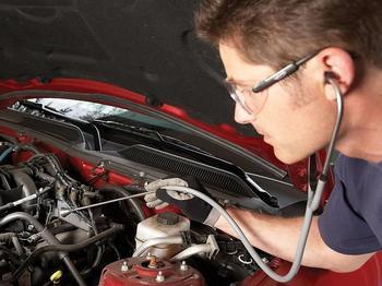 Нежелательные звуки в машине: что может стучать и свистеть под капотом