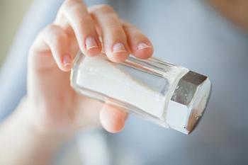 Что произойдёт с организмом, если сократить употребление соли