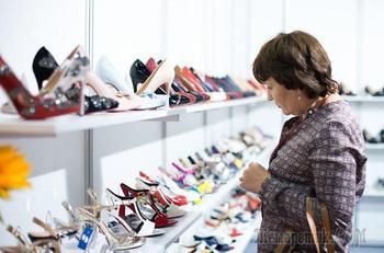 11 признаков, которые выдают некачественную обувь и дешевят образ