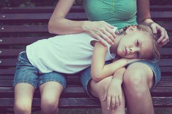 Психогенная рвота: когда ребенка тошнит и как с этим справиться