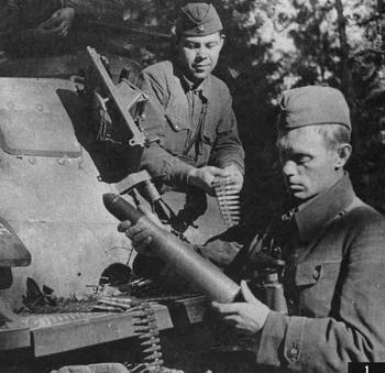Немецкий средний танк T-III. Памятка бойцу РККА