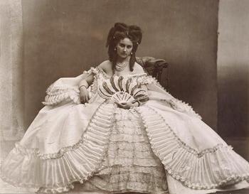 Несчастный муж и 400 фотографий на память: какой была первая в мире модель