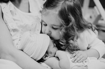 18 моментов, которые могут понять только те, у кого есть старшая сестра