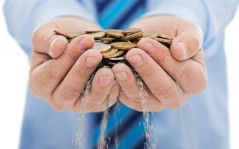 12 признаков того, что человек не разбогатеет, даже если работает как вол и экономит каждую копейку