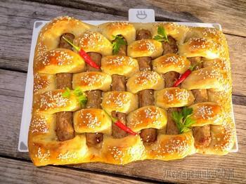 Для этого рецепта берите свои любимые сосиски / Чудо-пирог