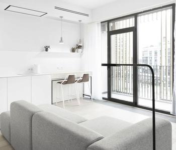 Интерьер минской «однушки». Очень необычный дизайн квартиры с окном в душе