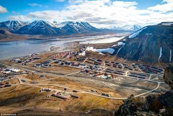 Лонгйир: самый северный город на Земле, в котором по закону запрещено умирать