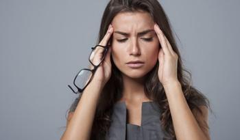 Упражнения от головной боли: описание с фото, пошаговая инструкция выполнения и противопоказания