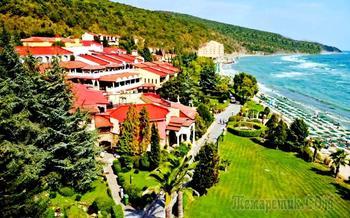 Болгарское побережье Черного моря 35. Курорт Елените - море и горы в одном месте