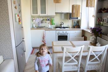 Наша маленькая кухня-невидимка: скандинавский стиль