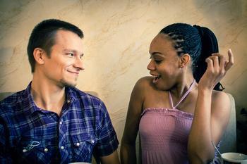 Свободный интернационал: 5 пар, соединившихся в межнациональном браке