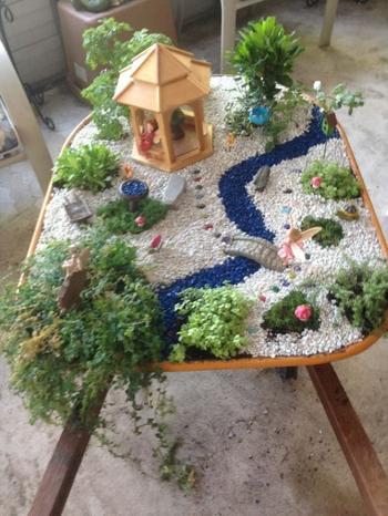 Маленький сад на подоконнике