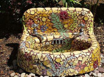 Идеи применения мозаики в саду