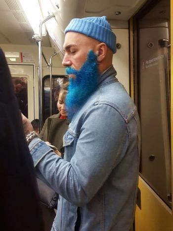 25 странных и смешных людей, которых уж точно не ожидаешь увидеть в российском метро