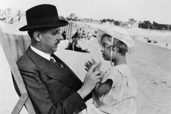 «Генерал де Голль и его «особенная» дочка Анна: Незримая связь, сохранившаяся даже после смерти»