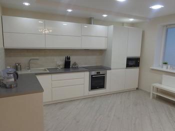 Кухня: белая, и точка