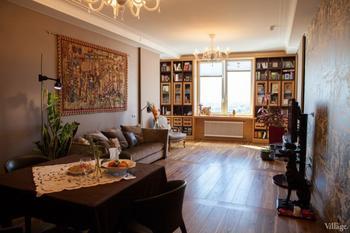 Семейная квартира на 22-м этаже новостройки в умеренном и созвучном облику дома классическом стиле